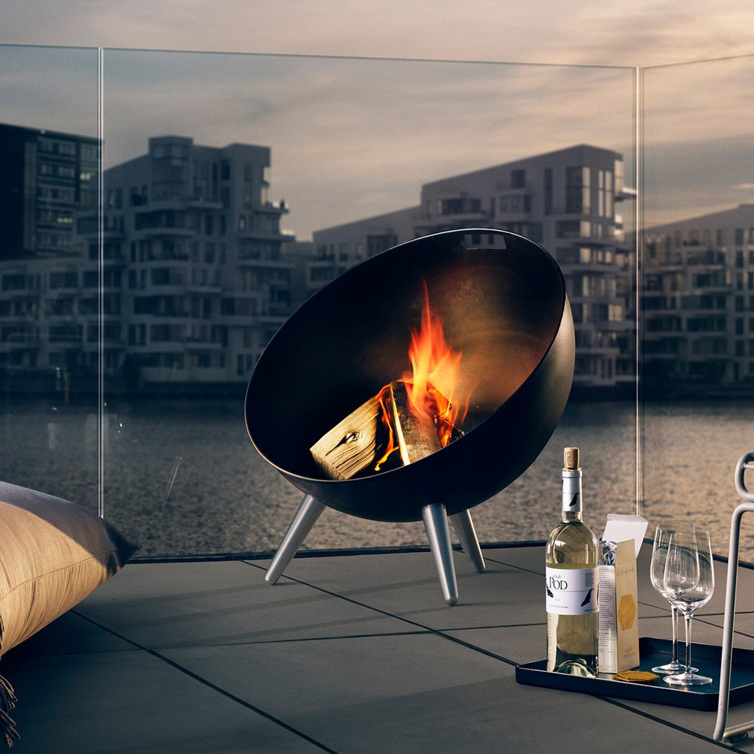 eva solo fireglobe feuerschale schwarz feuer grill feuerstellen. Black Bedroom Furniture Sets. Home Design Ideas