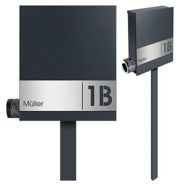Standbriefkasten mit Zeitungsfach anthrazit-grau (RAL 7016) inkl. Gravur MOCAVI SBox 111b Briefkasten mit Pfosten (einbetonieren) mit Gravur Schloß rechts